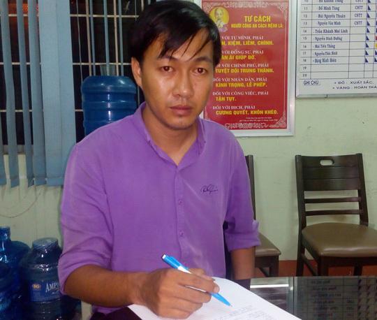 Phạm Minh Hiếu tại cơ quan công an