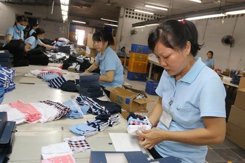 Công ty TNHH Shing Việt (quận Thủ Đức, TP HCM) là doanh nghiệp trích nộp đầy đủ BHXH, BHYT cho công nhân