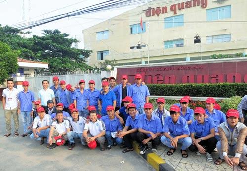 Học viên Trường Trung cấp nghề Kỹ thuật nghiệp vụ Tôn Đức Thắng kiến tập tại Công ty CP Bóng đèn Điện Quang