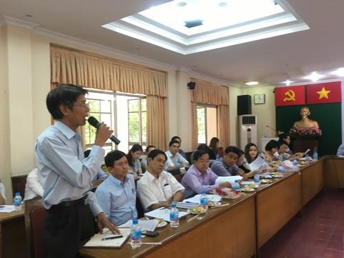 Cán bộ Công đoàn chuyên trách phát biểu tại hội nghị
