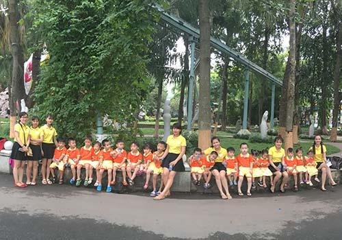Trường Mầm non Ngôi Sao tổ chức dã ngoại ngoài trời