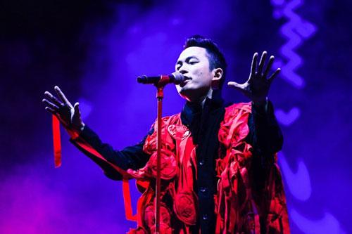 Ca sĩ Tùng Dương gây ấn tượng với khán giả tại MMF Ảnh: Thuận Lê