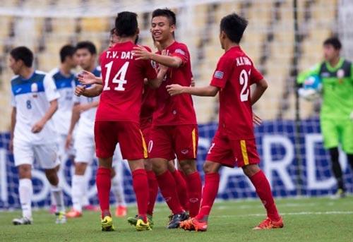 Các cầu thủ U16 Việt Nam vui mừng khi vào đến tứ kết Ảnh: AFC