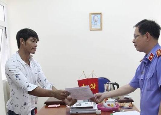 Trần Văn Uống nhận quyết định đình chỉ điều tra