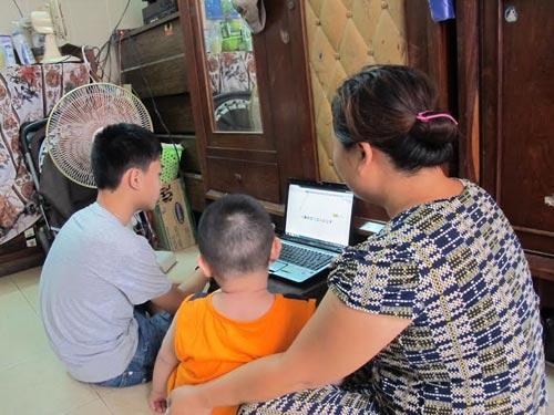 Bà Vân và các con tại căn nhà thuê