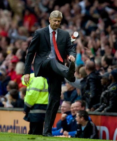 Một Wenger đầy cá tính không dễ chấp nhận đầu hàng số phận