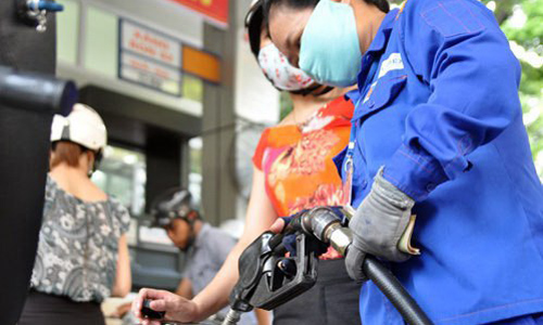 Bộ Tài chính không đồng tình với quan điểm cho rằng thuế đang chiếm hơn một nửa giá xăng dầu.