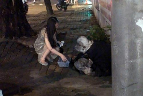 Nam thanh niên giả tàn tật xin tiền nhưng đêm đến thì sử dụng ma túyẢnh: Lê Phong