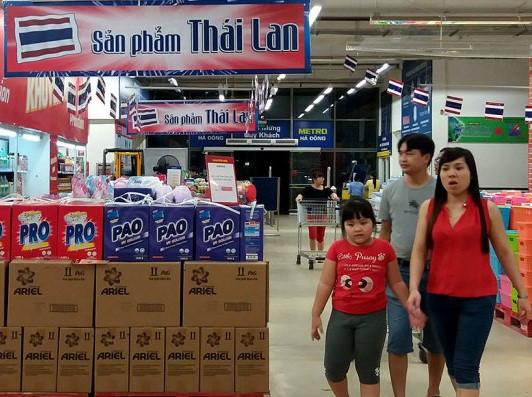 Vì sao Bộ Công Thương họp khẩn trước cơn lốc hàng Thái Lan? - Ảnh 1.