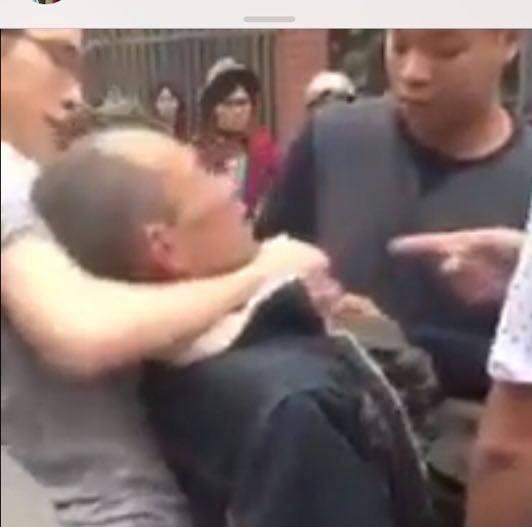 Hình ảnh thương binh Hoàng Tiến Vin bị nhóm người hành hung dã man vào 25-1 - Ảnh cắt từ clip