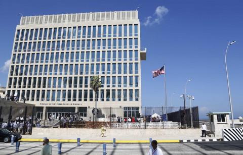 Mỹ cân nhắc đóng cửa đại sứ quán tại Cuba - Ảnh 1.