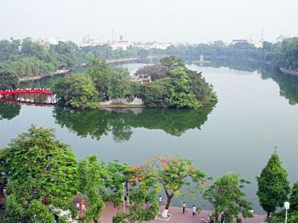 Hà Nội chi gần 30 tỉ đồng nạo vét hồ Hoàn Kiếm - Ảnh 1.