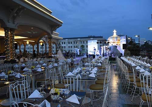 Đêm tiệc phong cách đón mùa lễ hội tại Rex Sài Gòn - Ảnh 2.