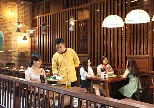 Nhà hàng Hẻm 12 - Hoài niệm về một Sài Gòn xưa - Ảnh 3.
