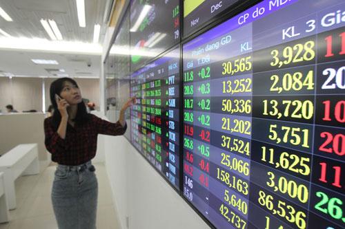 Thị trường chứng khoán được dự báo tiếp tục tăng trưởng trong năm 2017 Ảnh: Hoàng Triều