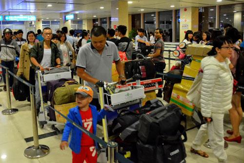 Hành khách sẽ có nhiều lựa chọn nếu thêm hãng hàng không giá rẻ Ảnh: TẤN THẠNH
