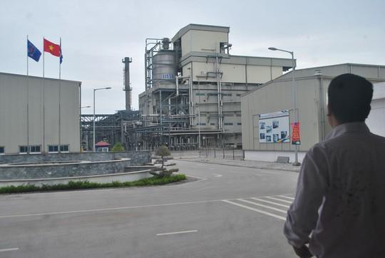 Bộ Công Thương đề xuất kỷ luật 6 cán bộ dầu khí dính sai phạm - Ảnh 1.