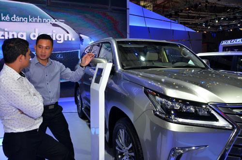 Các tiêu chí xuất xứ đối với ô tô nhập khẩu sẽ được kiểm tra chặt Ảnh: TẤN THẠNH