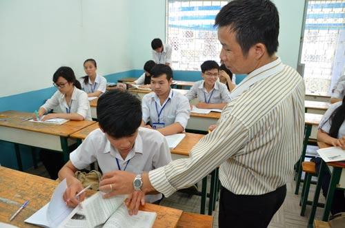 Hệ giáo dục thường xuyên đi lệch hướng - Ảnh 1.