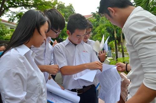 Việc sửa điểm sẽ gây mất công bằng trong đánh giá, xếp loại học sinh Ảnh: TẤN THẠNH