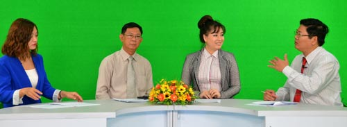 """Các chuyên gia trao đổi trong talk show """"Chọn ngành theo nguyện vọng"""" do Báo Người Lao Động tổ chức vào sáng 9-3Ảnh: Tấn Thạnh"""