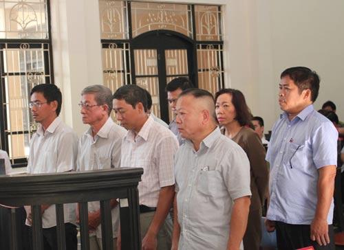 Vụ án tại Agribank Trà Vinh: Các bị cáo tố bị mớm cung - Ảnh 1.