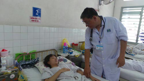 Một nữ bệnh nhân ung thư phổi đang điều trị tại Bệnh viện Ung bướu TP HCM
