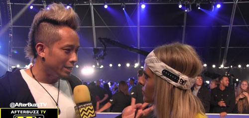 Johnny Lee đoạt giải MTV VMAs 2017: Đường tôi đi lắm gập ghềnh! - Ảnh 1.