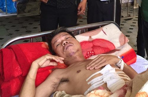 Ông Lê Văn Long đang được điều trị tại bệnh viện