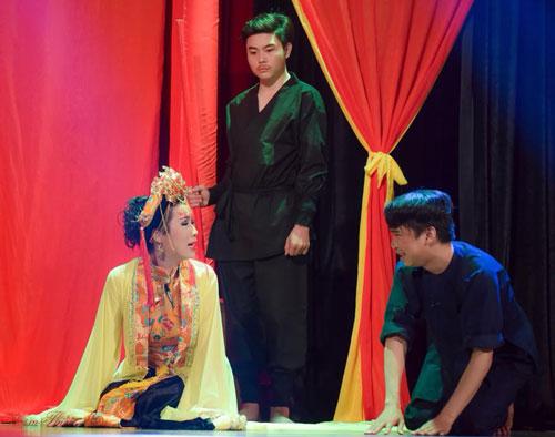 """Cảnh trong vở """"Chàng và thiếp"""" của Sân khấu Trịnh Kim Chi"""