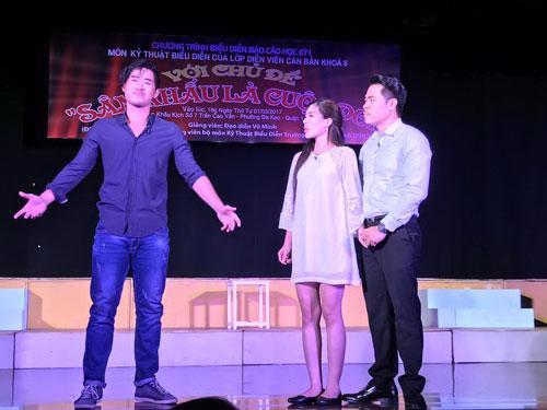 Các diễn viên trẻ trong chương trình báo cáo tốt nghiệp của lò đào tạo Sân khấu IDECAF