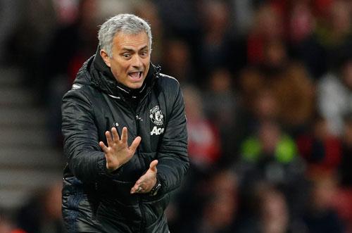 Thị trưởng London quyết phạt nặng HLV Mourinho vì cãi lệnh - Ảnh 1.