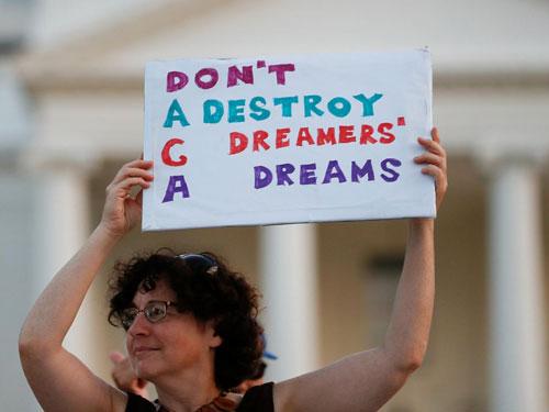 Giấc mơ hóa ác mộng đe dọa kinh tế Mỹ - Ảnh 1.