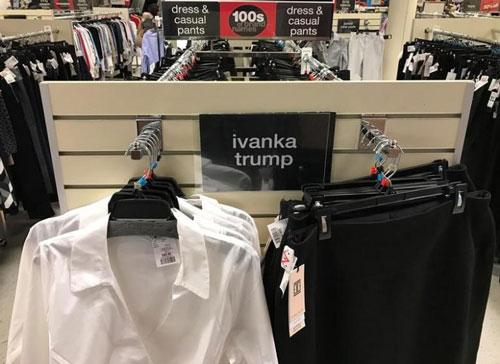 Quần áo thương hiệu Ivanka Trump bày bán ở Toronto - Canada Ảnh: REUTERS