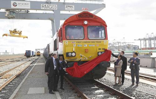 Khởi động chuyến tàu hỏa đầu tiên từ Anh đi Trung Quốc hồi đầu tháng 4-2017 Ảnh: REUTERS