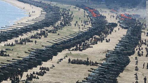 Triều Tiên tập trận pháo binh hôm 25-4 Ảnh: RODONG SINMUN
