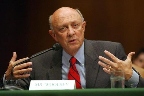 Cựu giám đốc CIA James Woolsey tuyên bố không còn là cố vấn của ông Trump Ảnh: UPI