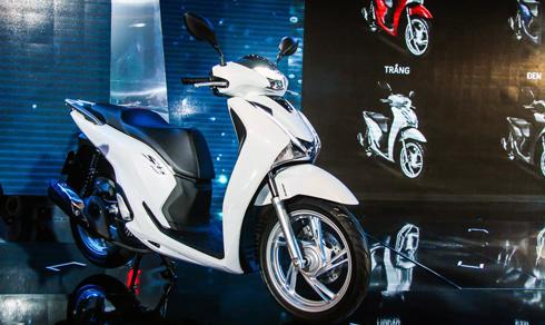 Mẫu Honda SH 150i ABS theo giá đề xuất của nhà sản xuất ở mức 90 triệu đồng.
