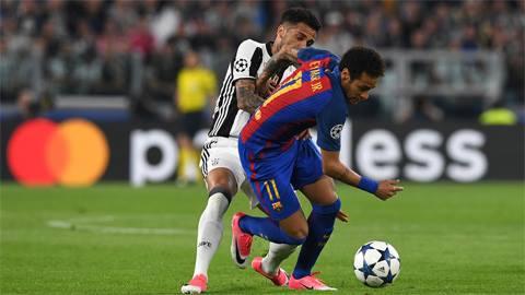 Phô diễn kỹ thuật, Neymar té sấp mặt - Ảnh 1.