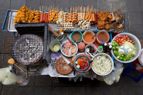 Bangkok, Thái Lan: Nhắc đến ẩm thực đường phố không thể không nhắc đến Bangkok, vì đây chính là yếu tố thu hút khách du lịch của thủ đô Thái Lan.