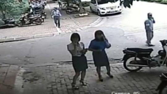 Quận Thanh Xuân thừa nhận xe chở Phó Chủ tịch quận đỗ sai - Ảnh 2.