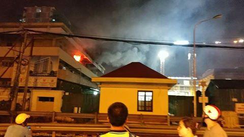 Cháy cửa hàng tạp hóa trong đêm, 2 mẹ con tử vong - Ảnh 2.