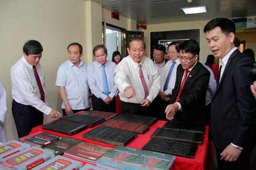 Giới thiệu mộc bản triều Nguyễn đến bạn bè quốc tế - Ảnh 1.