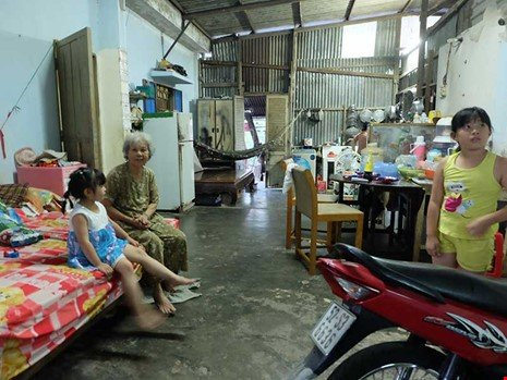 Theo bà Nguyễn Thị Điểu, nếu không bị quy hoạch tới 25 năm, gia đình bà đã khác chứ không eo hẹp, nhếch nhác như bây giờ.