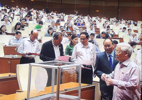Bỏ phiếu kín phê chuẩn bổ nhiệm Bộ trưởng GTVT, Tổng TTCP - Ảnh 1.
