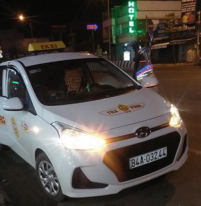 Hành khách bức xúc vì sân bay Cần Thơ không cho taxi vào rước khách - Ảnh 2.