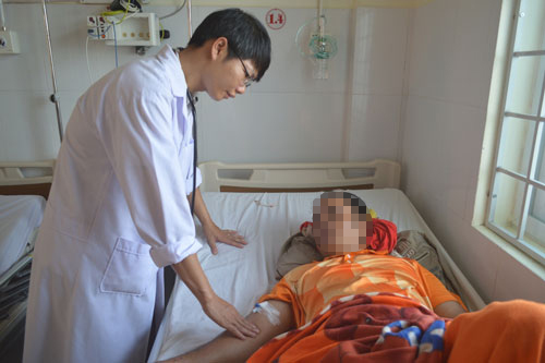 Anh Y Wăt Niê được đặt stent miễn phí do hoàn cảnh khó khăn