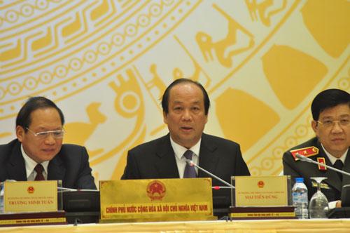Bộ trưởng Mai Tiến Dũng cho biết các cơ quan liên quan sẽ làm rõ những vấn đề liên quan Thứ trưởng Hồ Thị Kim Thoa Ảnh: THẾ DŨNG