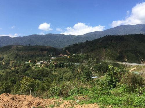 Nhiều vùng rừng ở các tỉnh Tây Nguyên đang từng bước nhường chỗ cho khu dân cư Ảnh: DUY CƯỜNG