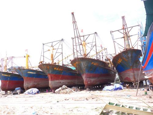 Tàu vỏ thép hỏng: Ngư dân nản lòng - Ảnh 1.